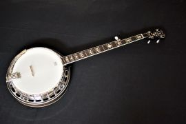 Rally DBJ 75 - 5 string G banjo.