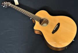 Breedlove Concert Pursuit Left Hand Electro Acoustic