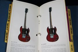 Gibson 1970 Catalogue collection (eleven in binder)